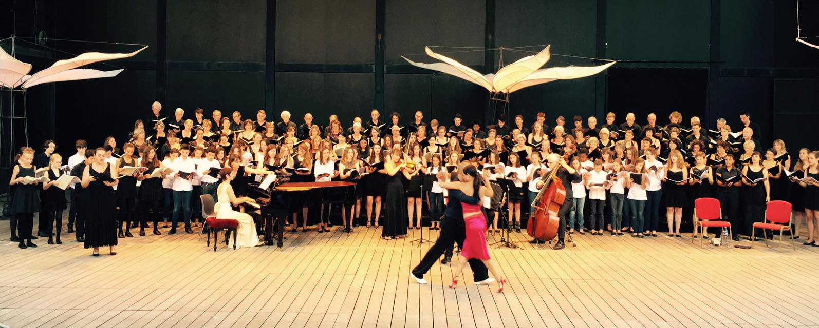 Dancers from Opera Junior Misa Tango concert
